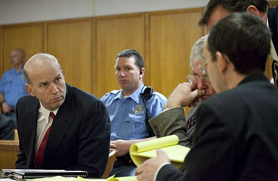 Scott Roeder listens to his attorneys during a pre-trial motion hearing inside a Sedgwick County District Courtroom in Wichita, Kansas, on Tuesday, January 12, 2010. Roeder is charged with first-degree murder in the shooting death of Dr. George Tiller last May. Jury selection for Roeder's trial starts Wednesday. (Travis Heying/Wichita Eagle/MCT) Photo: Travis Heying, MCT