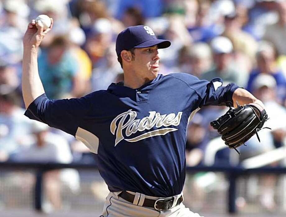 San Diego Padres Jon Garland delivers a pitch against the Milwaukee Brewers during a spring training baseball game in Phoenix, Arizona Friday, March 26, 2010. Photo: Ralph Freso, AP