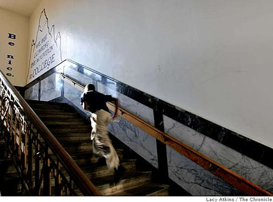 Andre Lewis runs up the stairs at the KIPP San Francisco Bay Academy on Tuesday Sept. 16, 2008, in San Francisco, Calif. KIPP is the subject of a report claiming it is a national model for schools that help underperforming kids. Photo: Lacy Atkins, The Chronicle