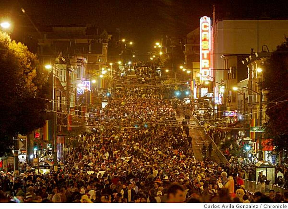 Thousands filled Castrol Street for the annual Halloween festivities. Halloween night in the Castro. Costumes, fun, all singing all dancing in San Francisco, Ca., on Tuesday, October 31, 2006. Photo by Carlos Avila Gonzalez/The San Francisco Chronicle Photo taken on 10/31/06, in San Francisco, Ca, USA **All names cq (source)