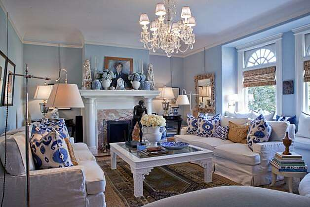 Living room of an Edwardian home owned by two former executives of Williams-Sonoma in San Francisco, California on Mar. 4, 2010. Photo: Peter DaSilva, Special To The Chronicle