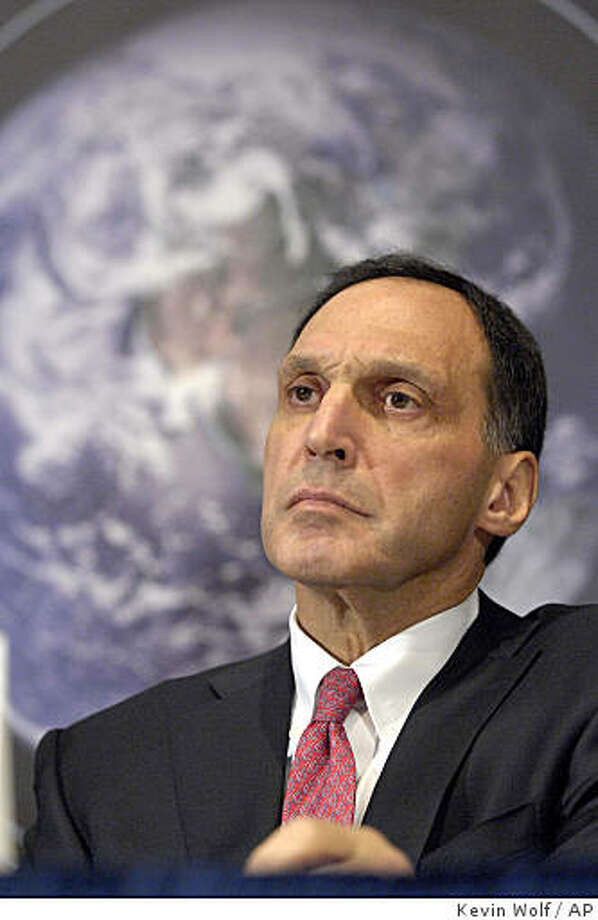 Just days after Lehman Bros. chief executive Richard Fuld tried to pitch Wall Street on a plan to save the firm by shrinking it, he?s in complicated negotiations with potential buyers that may see the company sold piecemeal as soon as Sunday night, analysts said.** FILE ** In this Jan. 22, 2007 file photo, Lehman Brothers Holdings Inc. Chairman and Chief Executive Officer Richard Fuld, Jr., takes part in a news conference at the National Press Club in Washington.  Lehman Brothers said Wednesday, Sept. 10, 2008, it will sell a majority stake in its prized investment management business and spin off its commercial real estate operations in a dramatic effort aimed at helping it survive the credit crunch. (AP Photo/Kevin Wolf, file) Photo: Kevin Wolf, AP