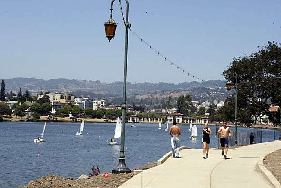Overview of Lake Merritt in Oakland, Calif. on Wednesday, July 15, 2009. Photo: Liz Hafalia, The Chronicle