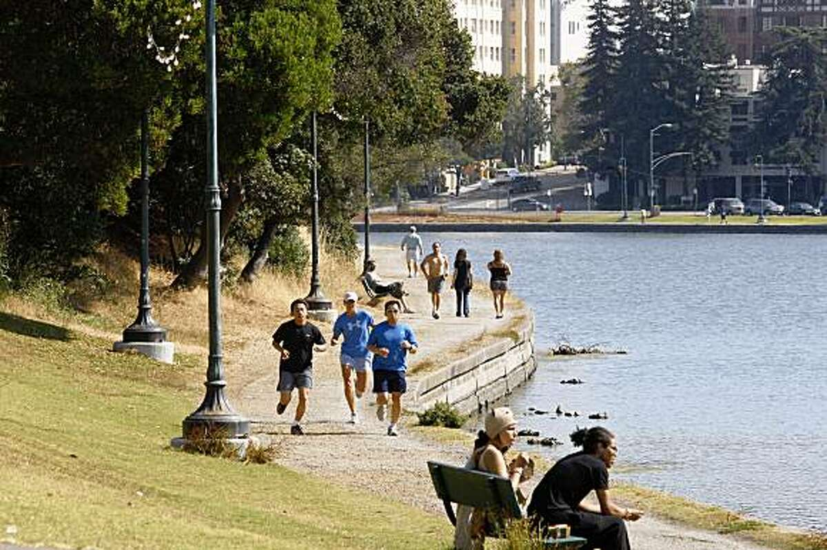 The pedestrian walkway at Lake Merritt in Oakland, Calif. on Wednesday, July 15, 2009.
