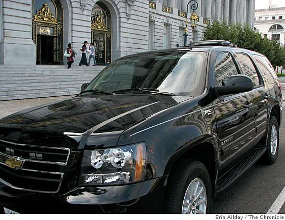 Mayor Gavin Newsom's new Chevy Tahoe Hybrid parked in front of San Francisco City Hall on Sept. 11, 2008. Photo: Erin Allday, The Chronicle