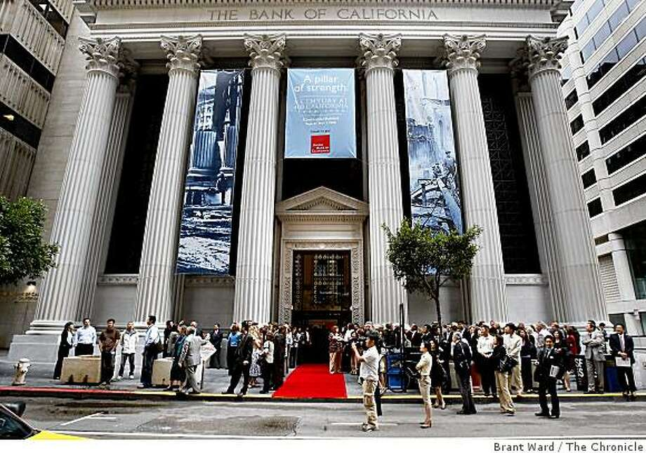 A large crowd stood outside the bank at California and Sansome Streets waiting for dignitaries to arrive by cable car. The Union Bank of California celebrated the 100th anniversary of their headquarters at 400 California Street in San Francisco Monday September 8, 2008. Photo: Brant Ward, The Chronicle