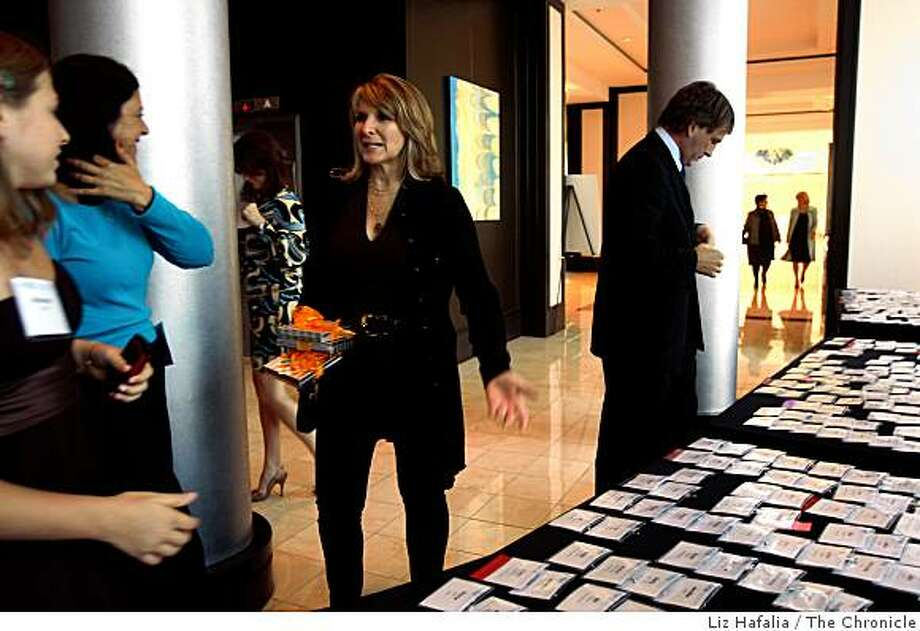 Heidi Roizen arrives at the Hotel Sofitel in Redwood Shores, Calif., on Thursday, September 11, 2008 as she is being honored by the Forum for Women Entrepreneurs and Executives as the top achieving woman of 2008. Photo: Liz Hafalia, The Chronicle