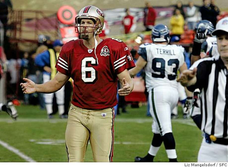 San Francisco 49ers kicker Joe Nedney (6) can't believe he missed a second field goal in the fourth quarter of the game. San Francisco 49ers play the Seattle Seahawks at Monster Park in San Francisco on Nov. 19, 2006. Liz Mangelsdorf / The Chronicle Photo: Liz Mangelsdorf, SFC