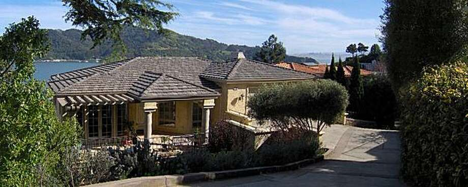 2100 Centro East for Curb Appeal HPIM1364.JPG Photo: Keri Spiller, Sf.BlockShopper.com
