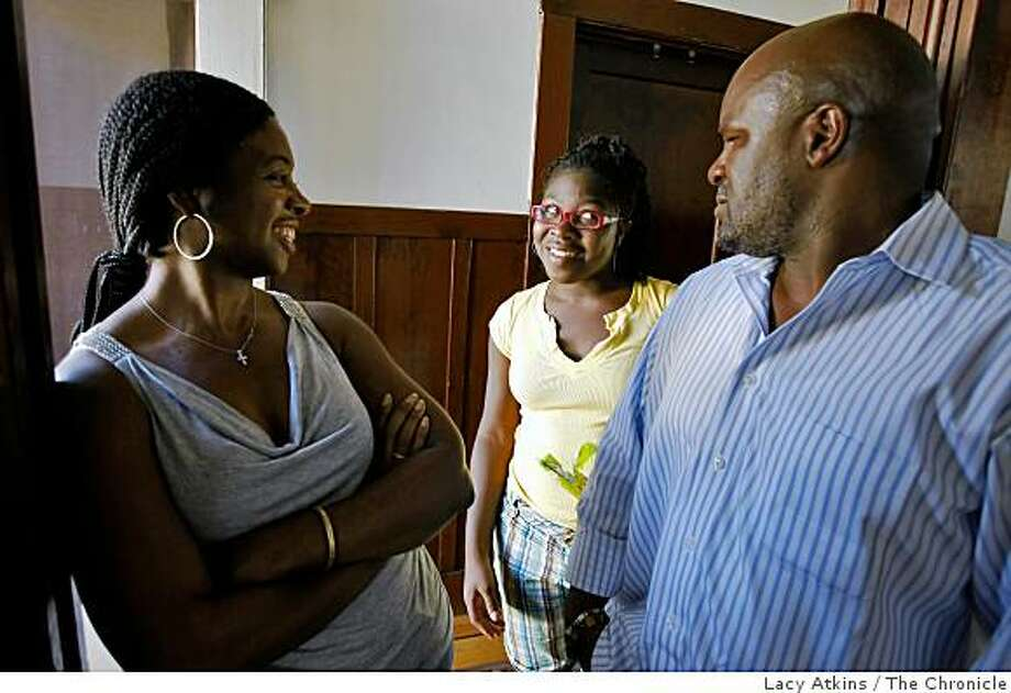 Carla Duke, left and Omar Khaif talk with their daughter Lailah, 14 about sex and Abstinent  at their home Wednesday Sept 3, 2008, in San Francisco, Calif. Photo: Lacy Atkins, The Chronicle