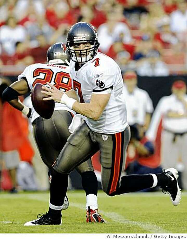 TAMPA, FL - AUGUST 23:  Quarterback Jeff Garcia #7 of the Tampa Bay Buccaneers sets to pass against the Jacksonville Jaguars at Raymond James Stadium on August 23, 2008 in Tampa, Florida.   (Photo by Al Messerschmidt/Getty Images) Photo: Al Messerschmidt, Getty Images