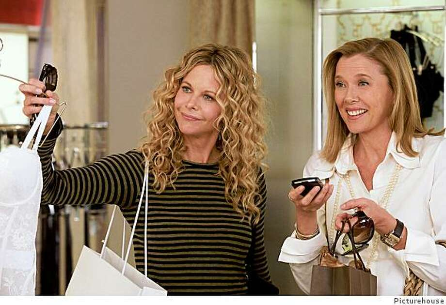 """Meg Ryan and Annette Bening in """"The Women"""" (2008). Photo: Picturehouse"""