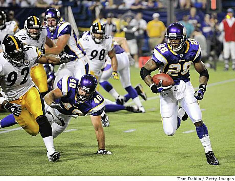 MINNEAPOLIS - AUGUST 23:  Adrian Peterson #28 of the Minnesota Vikings rushes during a preseason NFL game against the Pittsburgh Steelers at the Hubert H. Humphrey Metrodome August 23, 2008 in Minneapolis, Minnesota.  (Photo by Tom Dahlin/Getty Images) Photo: Tom Dahlin, Getty Images