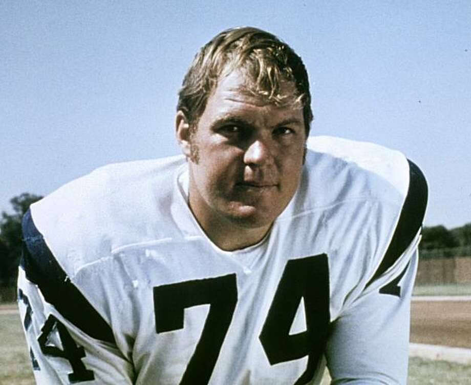 ** CORRECTS DATE OF DEATH TO EARLY THURSDAY, MARCH 11, 2010, NOT WEDNESDAY, MARCH 10, 2010 **  This 1970 handout provided by NFL Photos, shows Los Angeles Rams football player Merlin Olsen. Olsen, a Pro Football Hall of Famer and former television actor,died early Thursday, March 11, 2010, at a Los Angeles hospital. He was 69. Photo: NFL Photos, AP
