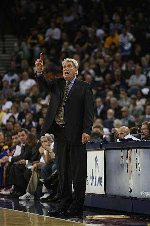 Warriors head coach Don Nelson shouts from the side f the court during the game against the San Antonio Spurs in Oakland, Calif. on Wednesday December 16, 2009. Photo: Lea Suzuki, The Chronicle