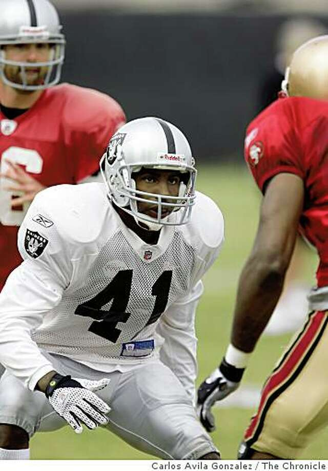 Raiders running back Louis Rankin seen during individual drills at the Raiders training camp in Napa, Calif., on Monday, August 4, 2008. Rankin has impressed coaches, but stands little chance of making the team. 49ers and Raiders practice against each other at the Raiders Napa training camp on Monday, August 4, 2008. Photo: Carlos Avila Gonzalez, The Chronicle