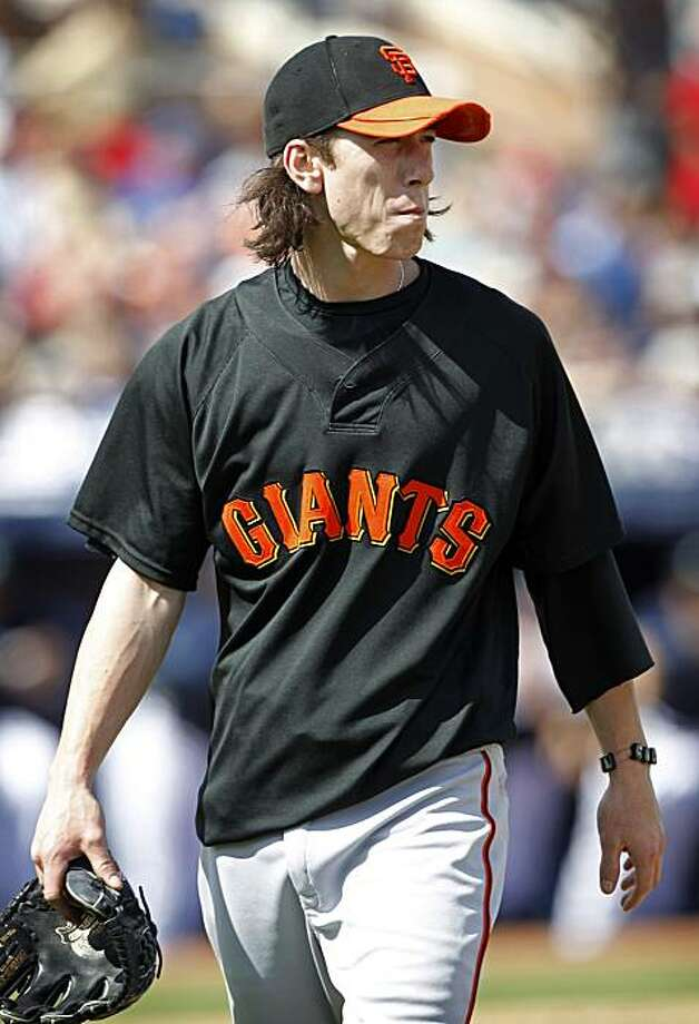 San Francisco Giants starting pitcher Tim Lincecum walks off the field in the first inning of a spring training baseball game against the Seattle Mariners, Wednesday, March 3, 2010, in Peoria, Ariz. Photo: Charlie Neibergall, AP