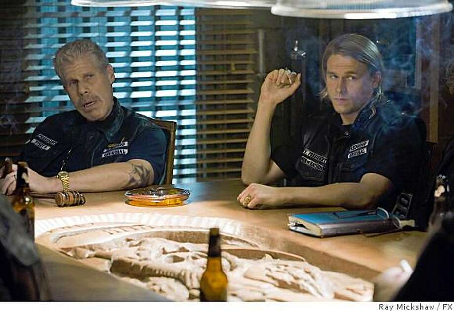 """SONS OF ANARCHY: Ron Perlman, left, as Clay Morrow and Charlie Hunnam, right, as """"Jax"""" . Photo: Ray Mickshaw, FX"""