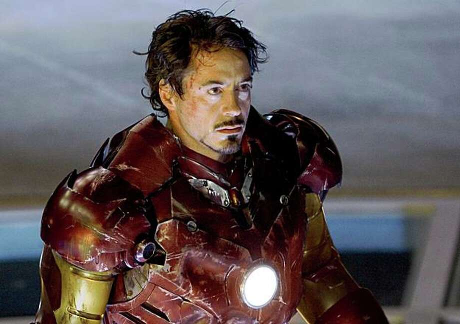 Tony Stark (Robert Downey Jr.) in his battle-scarred Mark III armor in IRON MAN.  Photo Credit: Zade Rosenthal Photo: Photo Credit: Zade Rosenthal, Zade Rosenthal