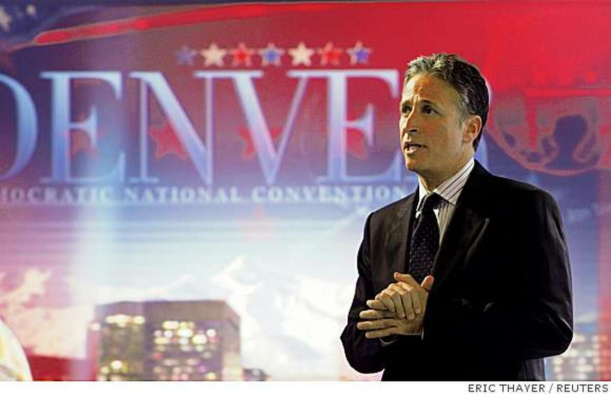 """Comedian Jon Stewart tapes Comedy Central's """"The Daily Show with Jon Stewart"""" at the University of Denver in Denver, August 26, 2008. REUTERS/Eric Thayer (UNITED STATES) US PRESIDENTIAL ELECTION CAMPAIGN 2008 (USA)"""