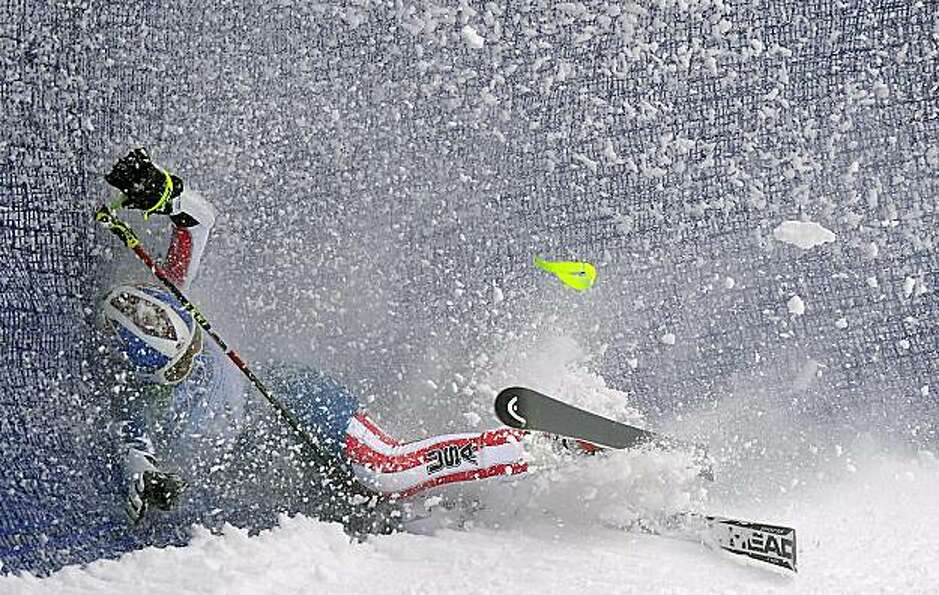 USA's Lindsey Vonn crashed into a fence during her first run in the women's giant slalom at the 2010