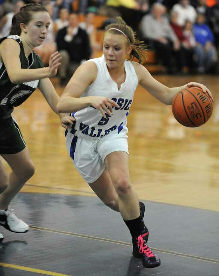 Hoosic Valley's Alicia Lewis drives to the basket during a basketball game against Greenwich on Wednesday, Feb. 8, 2012 in Schaghticoke, N.Y.  (Lori Van Buren / Times Union) Photo: Lori Van Buren, Albany Times Union / 00016343A