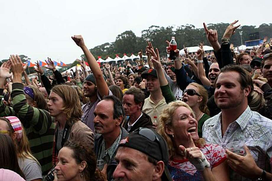 Festival attendees crowd the Lands End stage to watch Ben Harper and the Innocent Criminals perform at the Outside Lands Music and Arts Festival in Golden Gate Park in San Francisco, Calif., on Saturday, August 23, 2008. Photo: Laura Morton, Special To The Chronicle