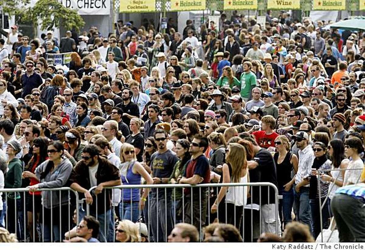 Crowds arriving at the Outside Lands concert in Golden Gate Park in San Francisco, Calif. on Sunday, August 24, 2008.