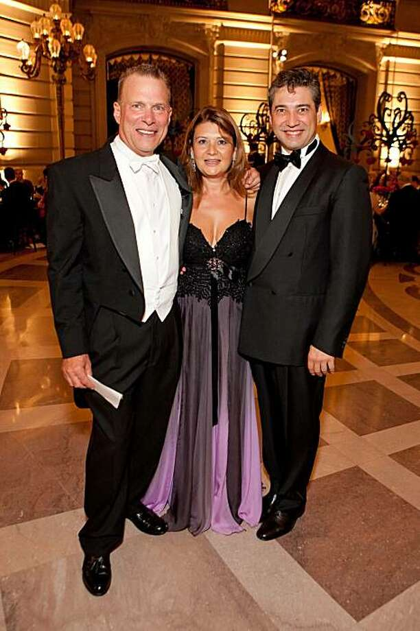SF Opera General Director David Gockley, Rita Simonini, and Opera Music Director Nicola Luisotti at the San Francisco Opera's season opening gala, Sept. 11, 2009.  David Gockley, Rita Simonini, Nicola Luisotti Photo: Drew Altizer