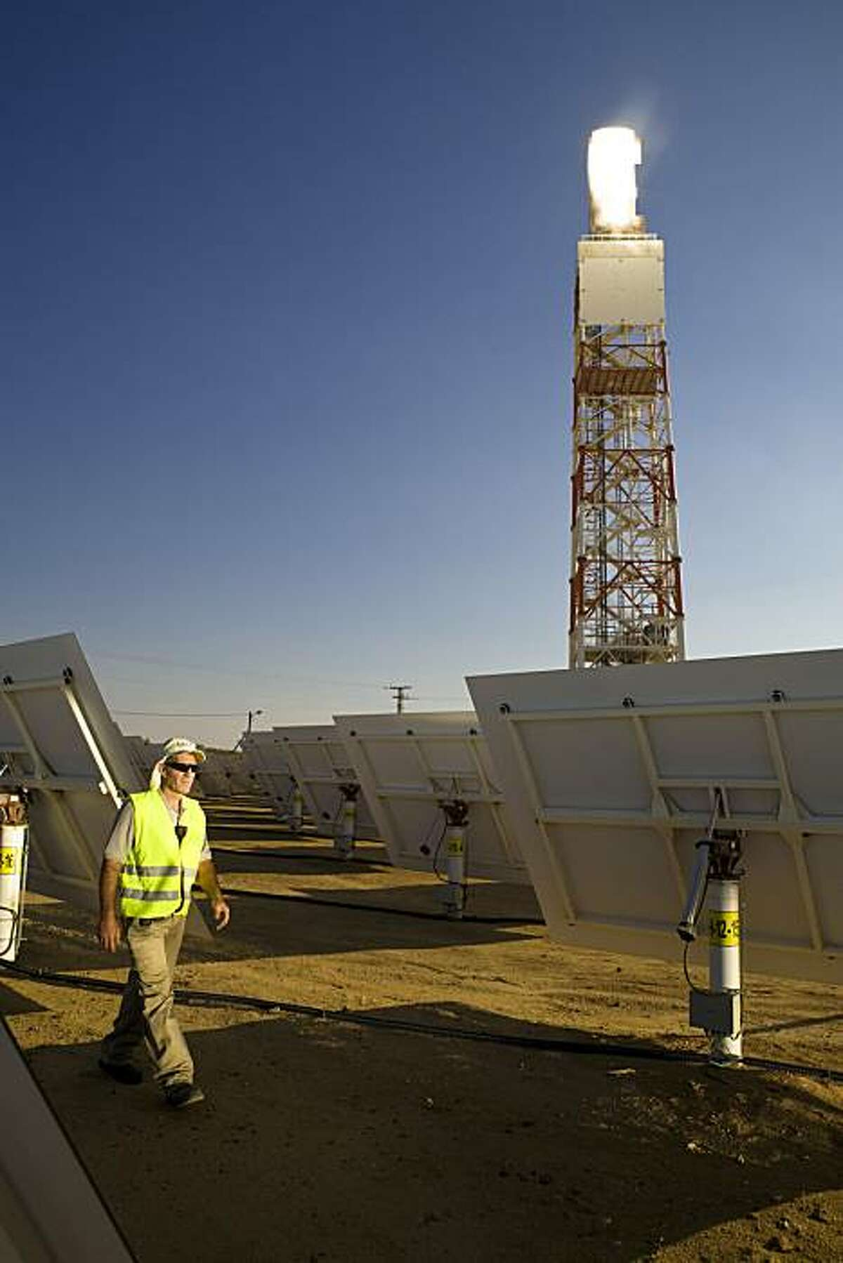 BrightSource Energy's first 100 MW commercial plant in the Mojave Desert will consist of approximately 50,000 heliostats. BrightSource Energy?•s first 100 MW commercial plant in the Mojave Desert will consist of approximately 50,000 heliostats.