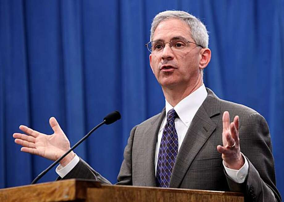 Insurance Commissioner Steve Poizner announced that an investigation of   consumer complaints against Anthem Blue Cross has reveled more than 700 violations of state law, during a Capitol news conference in Sacramento, Calif., Monday, Feb. 22,  2010.  Thecomplaints,  filed between 2006-2009 uncovered violations of Anthem's claims handling practices  which included failing to pay claims in 30 days, misrepresenting facts or policy provisions to insured and several others. Photo: Rich Pedroncelli, AP