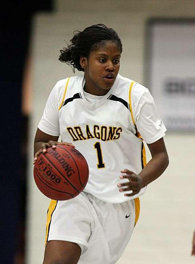 Robie Mayberry, Bishop O'Dowd girls basketball, 2010. Photo: Dennis Lee
