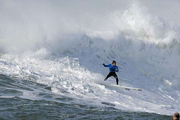 Carlos Burle competes in the final heat of the Mavericks Surf Contest. Surfers from around the globe braved the 50-foot-high swells at Mavericks Surf Contest in Half Moon Bay, Calif., on Saturday, February 13, 2010. Chris Bertish of South Africa was selected the winner. Photo: Carlos Avila Gonzalez, The Chronicle
