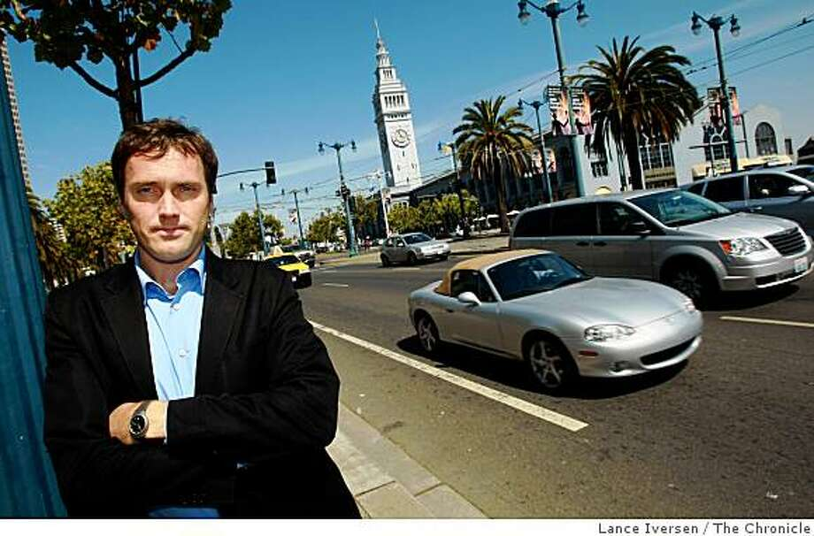 """Tom Vanderbilt, author of """"Traffic: Why We Drive the Way We Do,"""" a new book about the pyschology of driving. """"For most of us who are not brain surgeons,"""" he writes, """"driving is probably the most complex everyday thing we do in our lives. Photo: Lance Iversen, The Chronicle"""