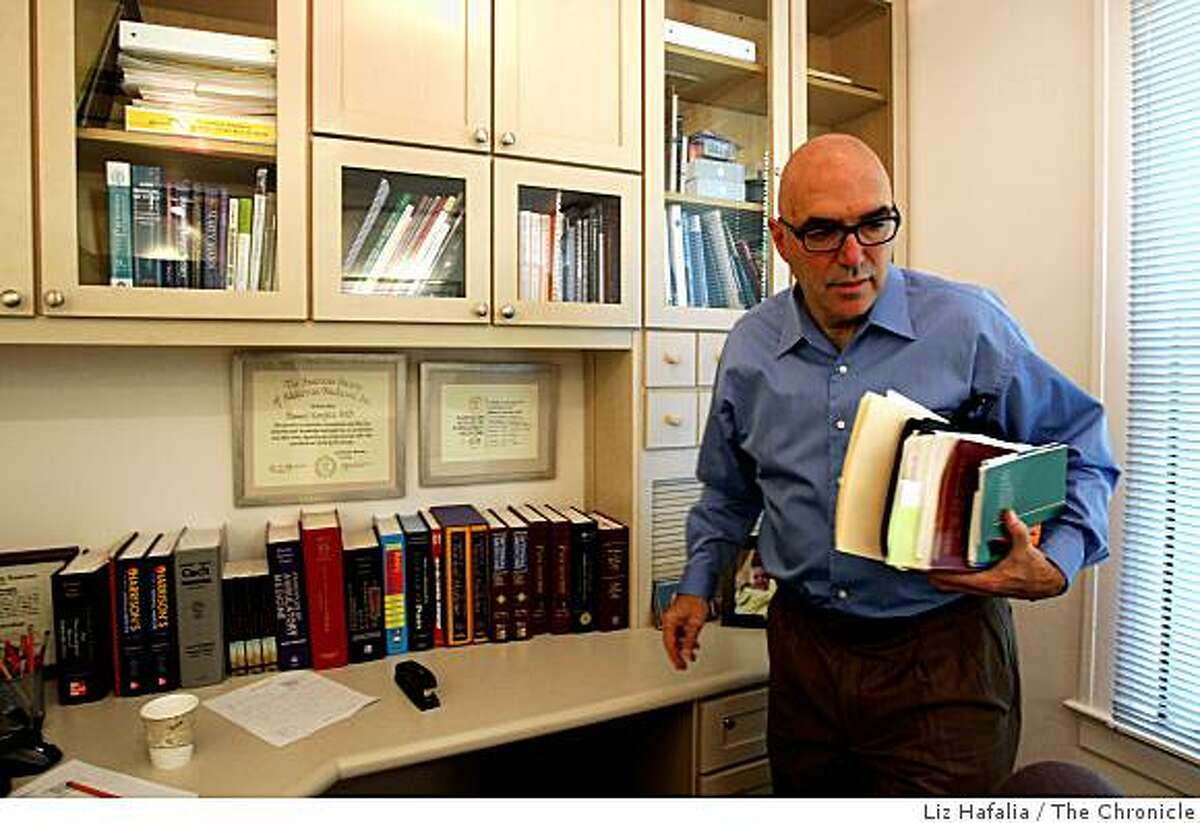 Dr. Howard Kornfeld, a Mill Valley physician who for 20 years has specialized in addiction treatment, getting ready for his next patient in his office in Mill Valley, Calif., on Wednesday, August 13, 2008.