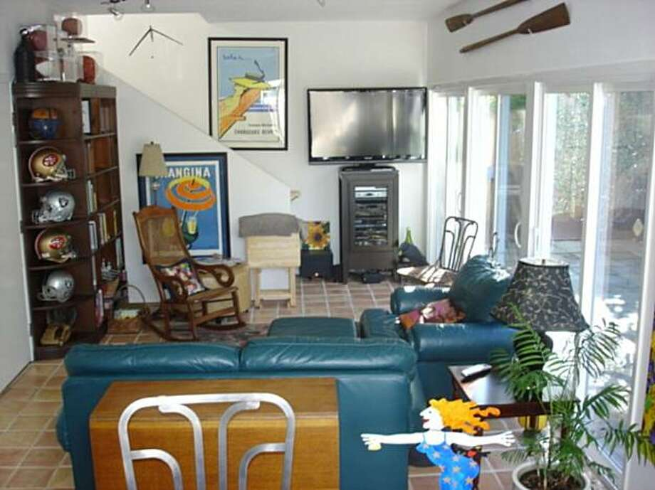 A before shot of Carla D'Agostino and David Parkinson's living room. Photo: Transformations Home Stylists