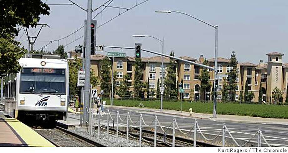The VTA runs past the North Park Apartment Village along the First St corridor. the Apartments were on the redevelopment tour. on Saturday, Aug 16  2008 in San Jose , Calif Photo: Kurt Rogers, The Chronicle