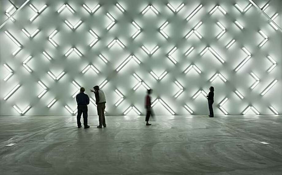"""Light and Space"" (2007) installation of 115 fluorescent lights by Robert Irwin Robert Irwin installation at the Museum of Contemporary Art, San Diego Photo: Phillp Scholz Ritterman, Museum Of Cont. Art, San Diego"