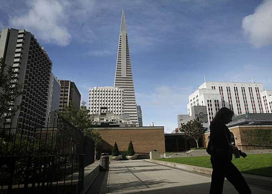 The Transamerica Pyramid, seen from Maritime Plaza on Wednesday Feb. 10, 2010 in San Francisco, Calif., may soon share the skyline with a 38-story condominium tower proposed for 555 Washington Street. If built, the building will cast shadows on two public parks -- Maritime Plaza and Sue Bierman Park -- which is in violation of current city rules. Photo: Mike Kepka, The Chronicle