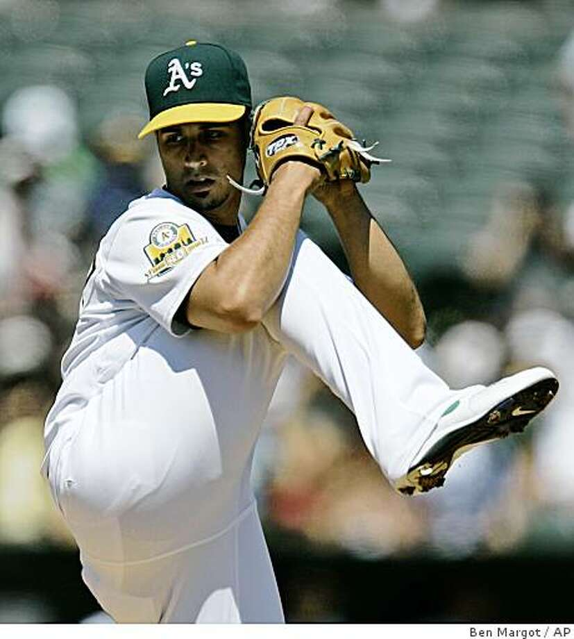 Oakland Athletics' Gio Gonzalez works against the Chicago White Sox in the first inning of a baseball game Sunday, Aug. 17, 2008, in Oakland, Calif. (AP Photo/Ben Margot) Photo: Ben Margot, AP