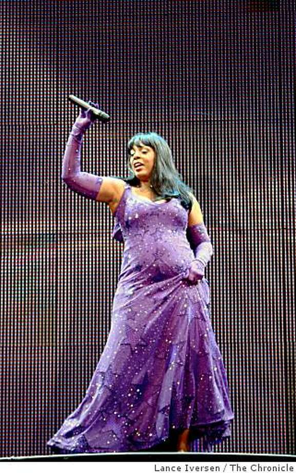 The Diva is back. Donna Summer performed at Oakland's Paramount Theater to a very enthusiastic audience Saturday night. Photographed Saturday, August.16, 2008, in Oakland. Photo: Lance Iversen, The Chronicle