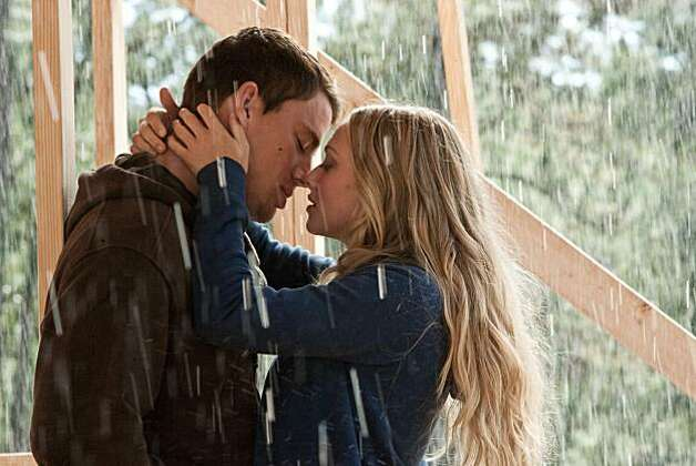 Channing Tatum (left) and Amanda Seyfried star in Screen Gems' romantic drama DEAR JOHN. Photo: Scott Garfield, Sony Pictures
