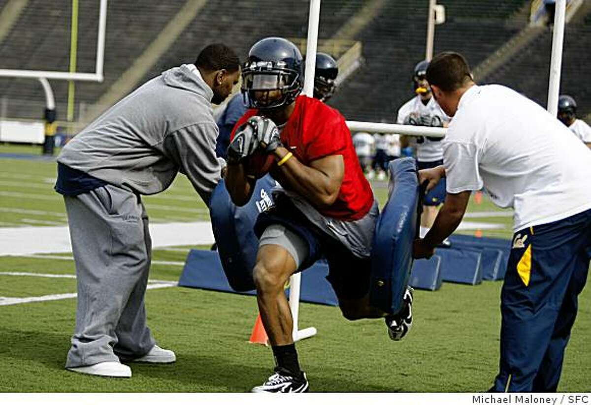 Cal football tailback Jahvid Best works out at a team practice at Memorial Stadium on the UC Berkeley, Calif, campus on April 2, 2008.
