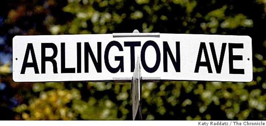 The street sign on Arlington Ave. in Kensington, Calif. Photo: Katy Raddatz, The Chronicle