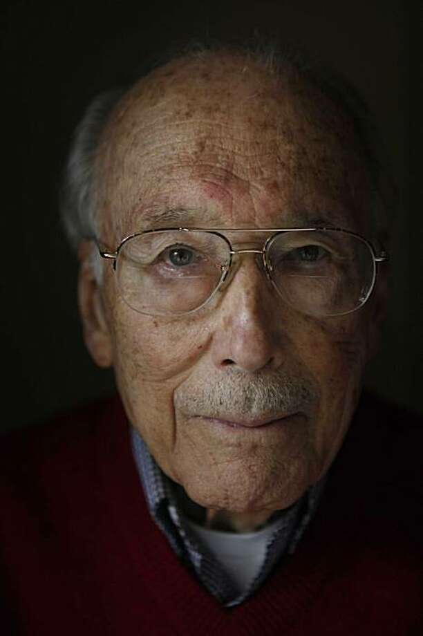 Al Nipkow, one of the few people still alive who interrogated Japanese prisoners of war in World War II at the Contra Costa prison camp in Byron, sits for a portrait in his home on Monday January 18, 2010 in Walnut Creek, Calif. Photo: Mike Kepka, The Chronicle