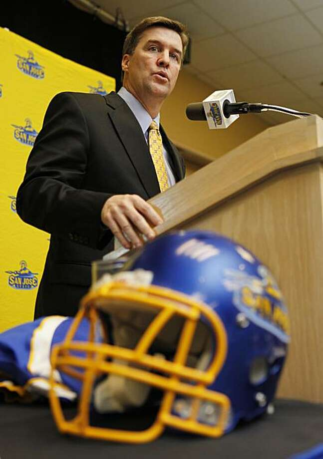 New San Jose State head NCAA college football coach Mike MacIntyre, 44, speaks during a news conference in San Jose, Calif., Thursday, Dec. 17, 2009. MacIntyre replaced Dick Tomey and is a former defensive coordinator at Duke and spent five seasons with the New York Jets and Dallas Cowboys coaching defensive backs. (AP Photo/Paul Sakuma) Photo: Paul Sakuma, AP