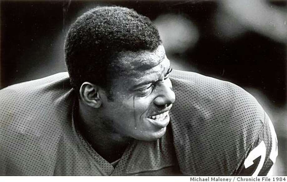 November 14, 1984 - Fred Dean at practice with the 49ers in 1984. Photo: Michael Maloney, Chronicle File 1984