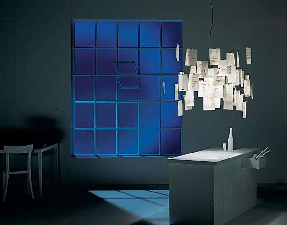 Zettel'z chandelier by legendary German lighting designer Ingo Maurer. Photo: Zettel'z