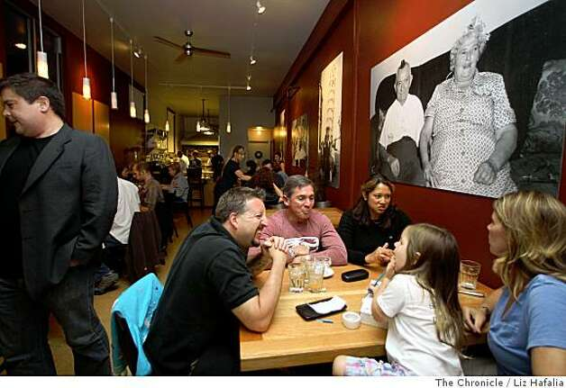 Interior shot of the Gialina Pizzeria in San Francisco, Calif., as patrons have dinner on Wednesday, July 16, 2008. Photo by Liz Hafalia/The Chronicle Photo: Liz Hafalia, The Chronicle