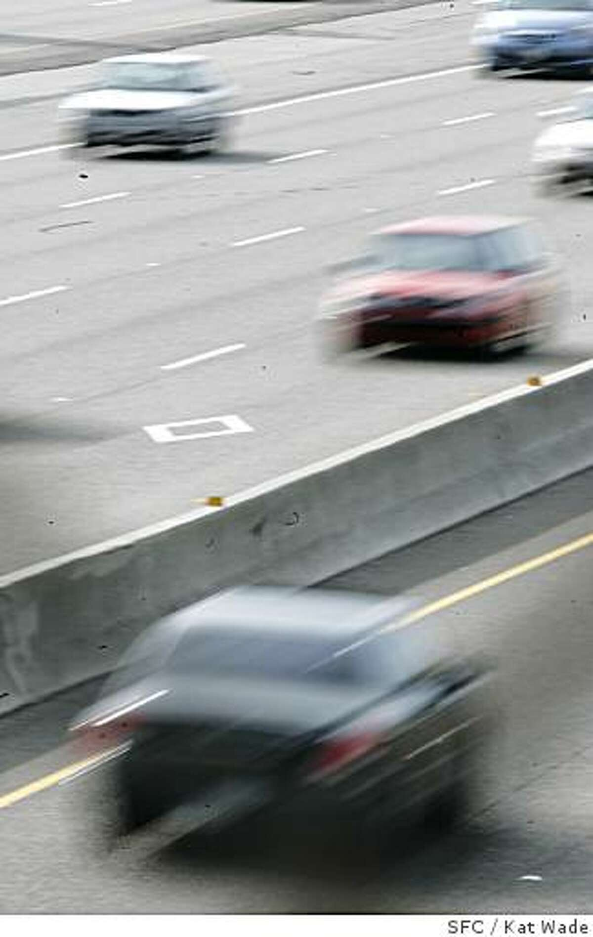A car pool lane violator travels south on highway 880 around 5 p.m. on Wednesday April 25, 2007. This stretch of highway requires two people to be in the car from 3pm to 7pm on weekdays. Kat Wade/The Chronicle